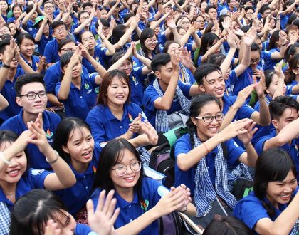 Điện Rạng Đông phối hợp tài trợ chiến dịch tình nguyện Mùa hè xanh năm 2017 tại Bến Tre.
